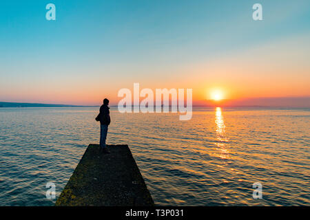 Newlyn, Cornwall, UK. 11th Apr, 2019. UK Weather. A chilly but glorious start to the day at Newlyn at sunrise. Credit: Simon Maycock/Alamy Live News - Stock Image