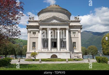 Como - The memorial of Alessandro Volta. - Stock Image