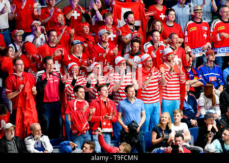 Bratislava, Slovakia. 18th May, 2019. Fans of Switzerland in action during the match Sweden against Switzerland within the 2019 IIHF World Championship in Bratislava, Slovakia, on May 18, 2019. Credit: Vit Simanek/CTK Photo/Alamy Live News - Stock Image