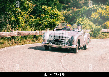 PESARO COLLE SAN BARTOLO , ITALY - MAY 17 - 2018 : NASH HEALEY SPORTS 4143 cm3 1953 on an old racing car in rally Mille Miglia 2018 the famous italian - Stock Image