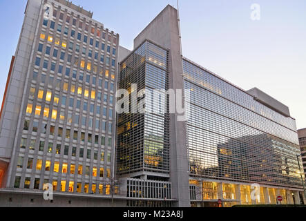The World Bank Group building, Washington DC, at dusk. - Stock Image