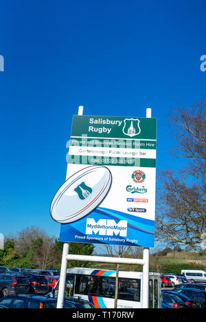 Salisbury rugby club sign with blue sky behind - Stock Image
