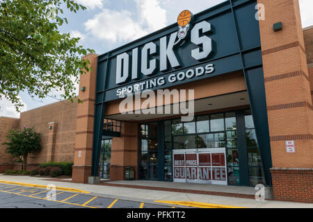 HICKORY, NC, USA-20 AUG 2018: A Dick's Sporting Goods store, one of over 600 in the U.S. - Stock Image