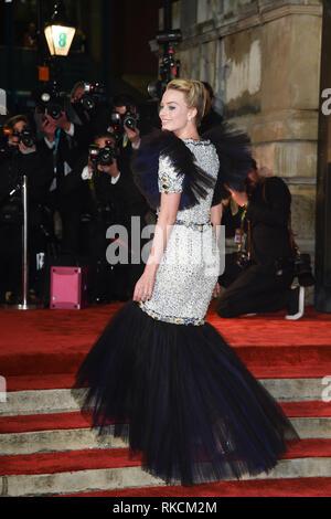 London, UK. 10th Feb, 2019. LONDON, UK. February 10, 2019: Margot Robbie arriving for the BAFTA Film Awards 2019 at the Royal Albert Hall, London. Picture: Steve Vas/Featureflash Credit: Paul Smith/Alamy Live News - Stock Image