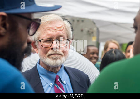 New York, NY, USA - 5 May 2018 - Marijuana advocates rallied in Union Square calling on New York State lawmakers to legalize marijuana for recreational use. State Senator Richard Gottfried, who sponsored the bill to legalize Medical Marijuana attended and spoke the rally. CREDIT ©Stacy Walsh Rosenstock/Alamy Live News - Stock Image
