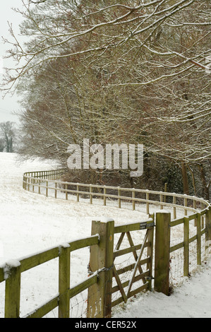 Snow covered footpath, Hook Norton, Oxfordshire - Stock Image