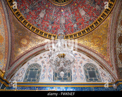 Detail of domed ceiling with chandelier in inner chamber of the Harem in Topkapi Palace (Topkapı Sarayı) in Istanbul, - Stock Image