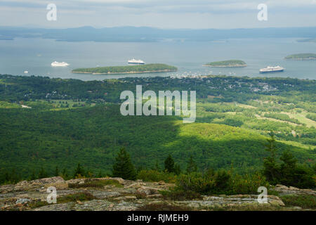 Cruise ships in Frenchman Bay, Bar Harbor, Maine, seen from the top of Cadillac Mountain, Acadia National Park. - Stock Image