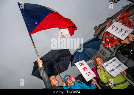 Hradec Kralove, Czech Republic. 28th May, 2019. Further demonstration for Justice Minister Marie Benesova's resignation, held by Million Moments for Democracy NGO, are staged in regions - pictured Hradec Kralove, Czech Republic, May 28, 2019, not in Prague this time. Credit: David Tanecek/CTK Photo/Alamy Live News - Stock Image