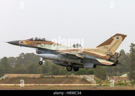 Israeli Air Force (IAF) F-16C (Barak) Fighter jet at take off - Stock Image