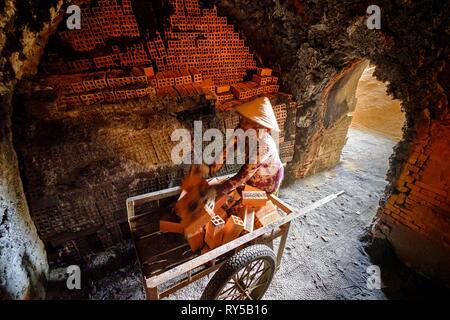Vietnam, Mekong delta, Sadec, bricks factory - Stock Image
