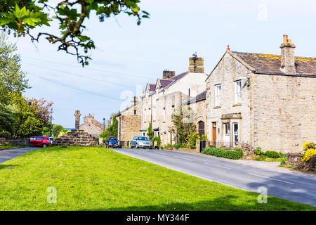 Carperby Village Yorkshire, Carperby Yorkshire, Carperby, North Yorkshire, Yorkshire village, Yorkshire villages, Carperby UK, Yorkshire roads, homes - Stock Image