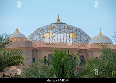 April, 4, 2019: Abu Dhabi, UAE: Close up Shot of Emirates palace Domes, Abu Dhabi. - Stock Image