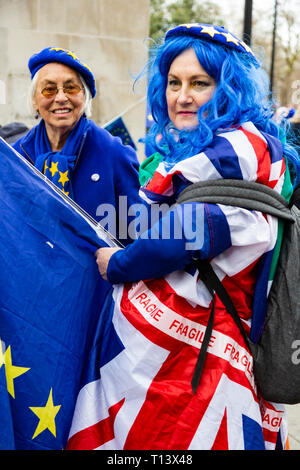 London, UK. 23 March 2019. Remain supporters and protesters take part in a march to stop Brexit in Central London calling for a People's Vote. Credit: Vibrant Pictures/Alamy Live News - Stock Image