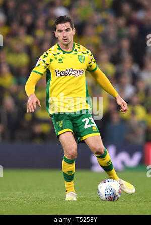 Norwich City's Kenny McLean during the Sky Bet Championship match at Carrow Road, Norwich. - Stock Image