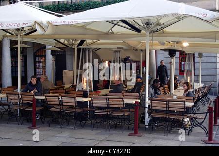 Cafe near Covent Garden Market London - Stock Image