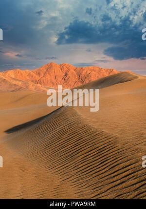 Desert sand dunes, Yazd, Iran - Stock Image