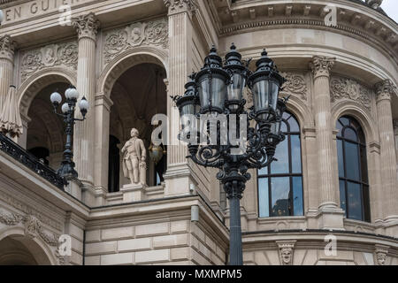 Architectural close up details of Alte Oper building, featuring a sculpture of Johann Wolfgang von Goethe, Opernplatz, Frankfurt am Main, Germany. - Stock Image
