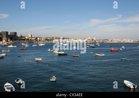 Waterfront, Cascais, Portugal with the resort town of Estoril in the background - Stock Image