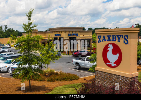 HICKORY, NC, USA-22 JUNE 18:  Zaxby's is a chain of fast food restaurants selling chicken wings, chicken fingers, sandwiches and salads in over 800 lo - Stock Image