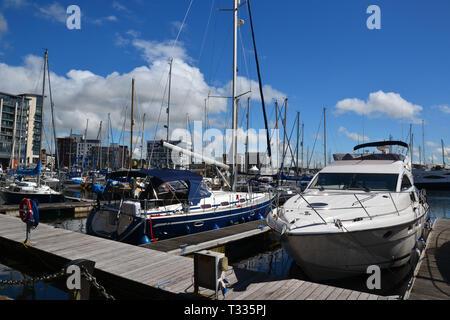 Ipswich Waterfront, also known as Ipswich Wet Dock, Ipswich Docks, or Ipswich Marina, in the sunshine. Suffolk, UK - Stock Image
