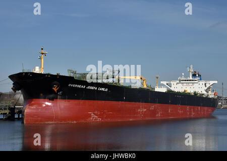 Crude oil tanker Overseas Josefa Camejo - Stock Image