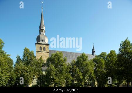 Deutschland, Nordrhein-Westfalen, Werl, Probsteikirche St. Walburga - Stock Image
