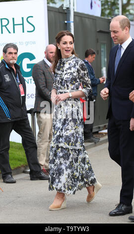 The Duke and Duchess of Cambridge arrive at the RHS Chelsea Flower Show at the Royal Hospital Chelsea, London. - Stock Image