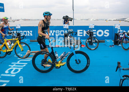 Yokohama, Japan. 18th May, 2019. 2019 ITU World Triathlon, World Paratriathlon Yokohama at Yamashita Park and Minato Mirai, Yokohama. Schomburg (Photos by Michael Steinebach/AFLO) Credit: Aflo Co. Ltd./Alamy Live News - Stock Image