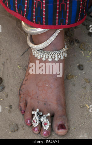 Rabari tribal woman foor with silver jewellry - Stock Image
