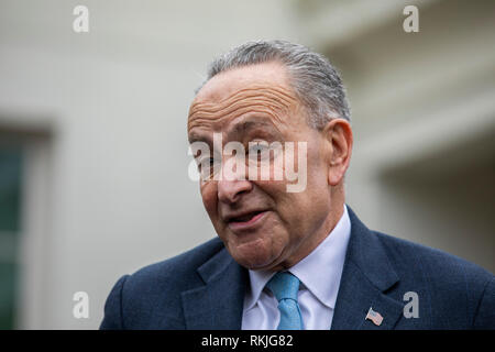 Senate Minority Leader Chuck Schumer, Democrat of New York, speaks to reporters after meeting with US President Donald Trump at the White House in Washington, DC on January 4, 2019. - Stock Image