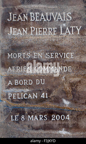 A memorial tablet to two water bomber fire fighters, Jean Beauvais and Jean-Pierre Laty, who died in 2004. - Stock Image