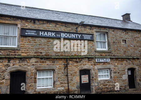 Hark to Bounty country pub and inn, Slaidburn in the Forest of Bowland,Lancashire,England - Stock Image