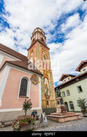 Lüftlmalerei, Kirche St. Peter und Paul, Mittenwald, Werdenfelser Land, Oberbayern, Bayern, Deutschland, Europa - Stock Image