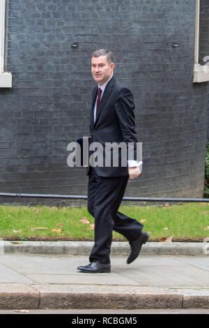 London, United Kingdom. 15 January 2019. David Gauke, Lord Chancellor and Secretary of State for Justice arrives at 10 Downing Street for the weekly cabinet meeting ahead of the critical Brexit vote. Credit: Peter Manning/Alamy Live News - Stock Image