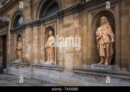 Queen's College garden facade statues, Oxford University, UK - Stock Image