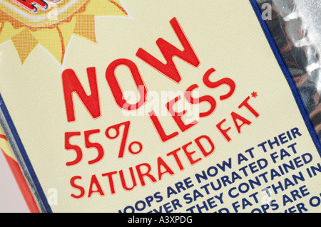 55% less saturated Fat on bag of crisps - Stock Image