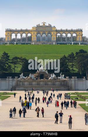 Schonbrunn Gloriette, view of the Gloriette building (1775) sited on a hill above the formal gardens of the Schloss Schönbrunn in Vienna, Austria. - Stock Image