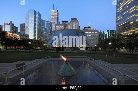 Canada, Ontario, Toronto, Financial District, Roy Thomson Hall, skyline, - Stock Image