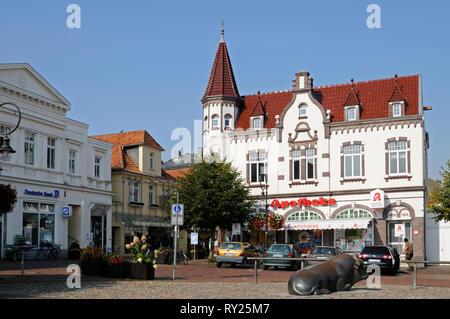 Alter Markt, Jever, Niedersachsen, Deutschland.   Alter Markt, Jever, Lower Saxony, Germany. - Stock Image