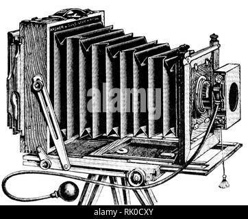 Vintage old photographic plate camera - this was made by Archer & Sons of Liverpool - Stock Image