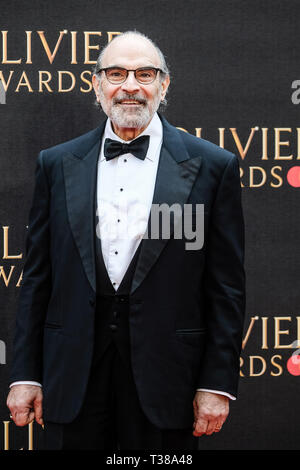 London, UK. 7th Apr 2019. David Suchet poses on the red carpet at the Olivier Awards on Sunday 7 April 2019 at Royal Albert Hall, London. Picture by Credit: Julie Edwards/Alamy Live News - Stock Image