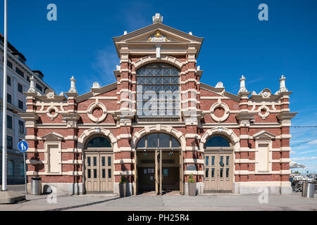Helsinki Old Market Hall, Vanha Kauppahalli Helsinki, the oldest covered market in Finland. By Gustaf Nyström (1889). - Stock Image