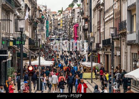 Rua de Santa Catarina, shopping zone, Porto , Portugal - Stock Image
