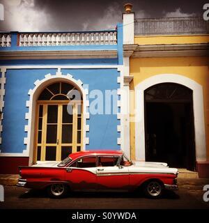 Cuba American 1950's car in Trinidad - Stock Image
