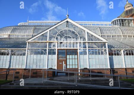 Glasgow, Scotland, UK. 28th, December, 2018. The 'Winter Gardens' prepares for closure this weekend and faces an uncertain future with many millions of pounds required to repair, make safe and restore it's crumbling structure. - Stock Image