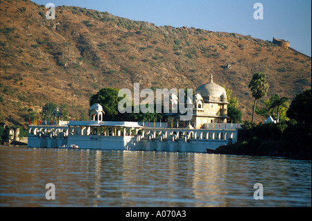 Jag Mandir or Octopussy Palace on Lake Pichola, Udaipur, Rajasthan, India. Made famous in the James Bond film Octopussy - Stock Image