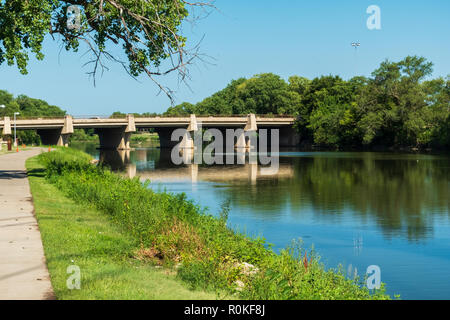 Arkansas river trails by the Arkansas river in Wichita, Kansas, USA. - Stock Image