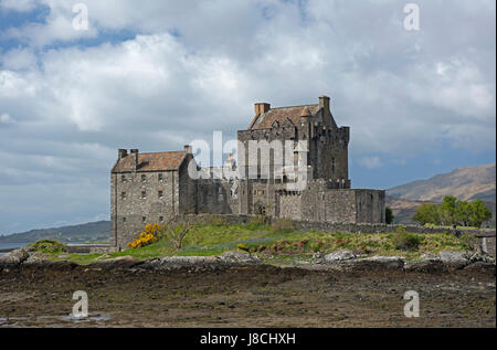 The Scottish magnate for Tourism Eileen Donan Castle located on Loch Duich on the road to the Isles of Skye. - Stock Image