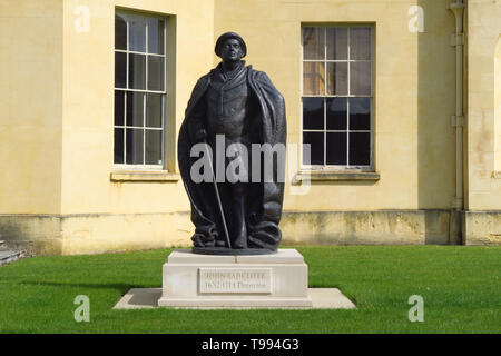 A statue of John Radcliffe (1652-1714) stands on the lawn outside the former observatory bearing his name on Woodstock Road in the university city of  - Stock Image